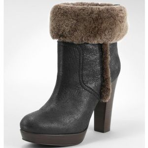 😍Tory Burch Sebastian Fur Trimmed Leather Booties